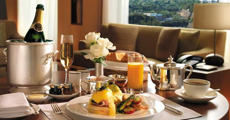 питание в номерах гостиницы, услуги питания в гостинице